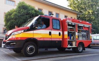 Szirénaszó jelezte az új tűzoltóautó meghozatalát